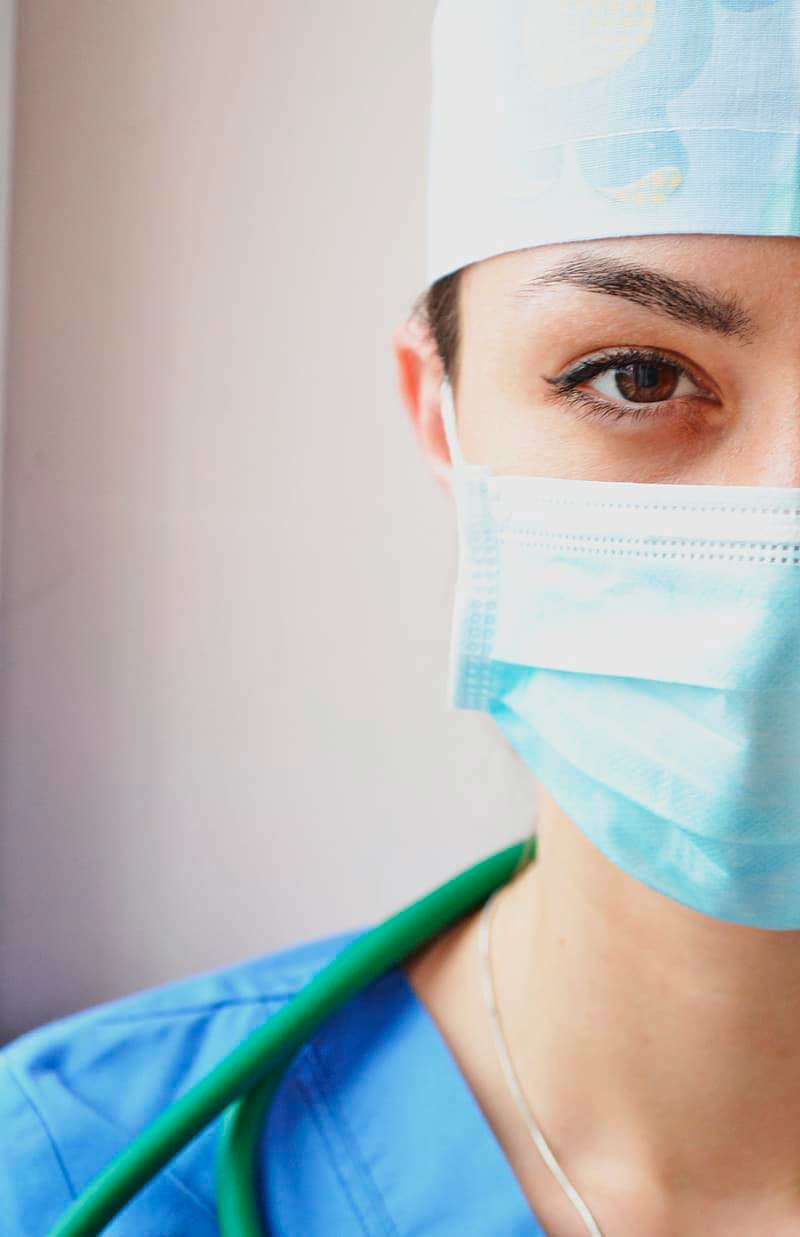 DOctor-Facemask-COVID-19
